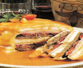 A Francesinha, o petisco de culto do Norte!