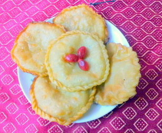 Home Made Bengali Sweet–Kheer/Mawa Stuffed Luchi