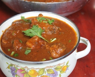 Capsicum Chicken Curry Recipe - Chicken with Bell Pepper Masala Recipe