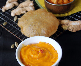 Aamras recipe - Simple mango puree recipe - Side dish for Poori