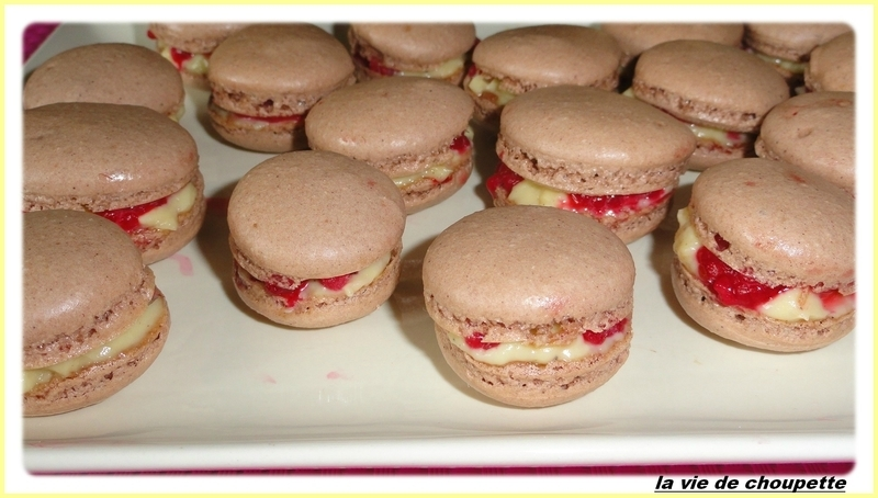 MACARONS CREME PATISSIERE ET FRAMBOISES