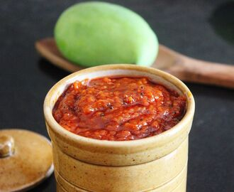 Mangai Thokku (Grated Raw Mango Pickle)