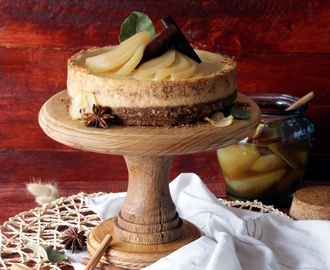 Cheesecake de Pera & Gengibre com Peras em Mel & Especiarias {Pear & Ginger Cheesecake with Honey Spiced Pears}