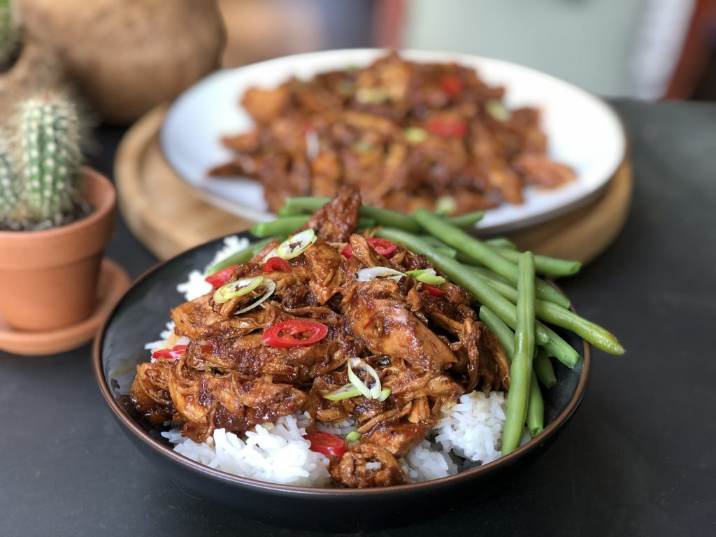 Indische pulled chicken: pittig en zoet! - Familie over de kook