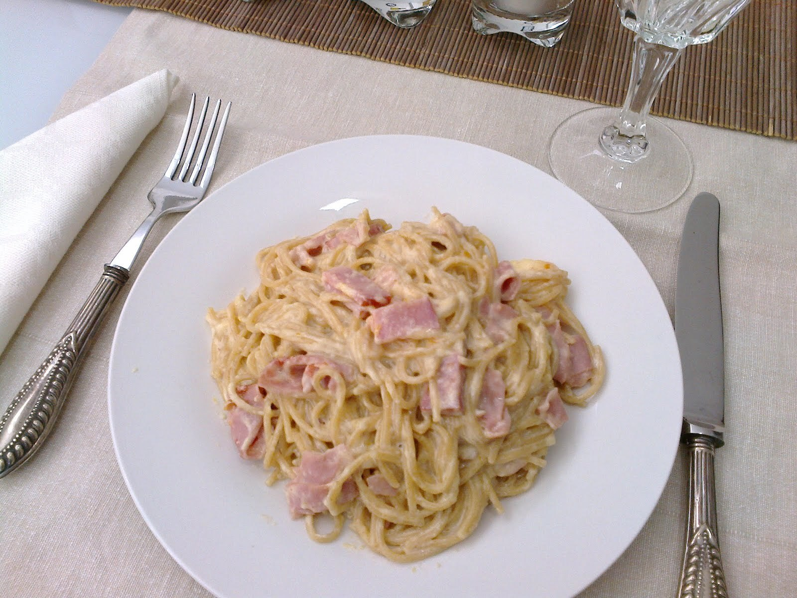 Esparguete à carbonara light (integral e sem natas)