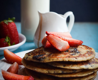 Eggless whole wheat chocolate pancakes