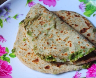 Stuffed Peas Paratha Recipe
