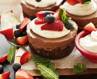 No-Bake Chocolate Cheesecakes
