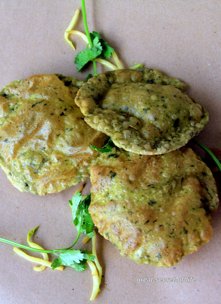 Methi poori - Breakfast Recipe - Indian Puffed bread Recipe - Kids friendly Recipe