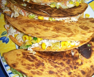 Quesadilla de pollo y vegetales