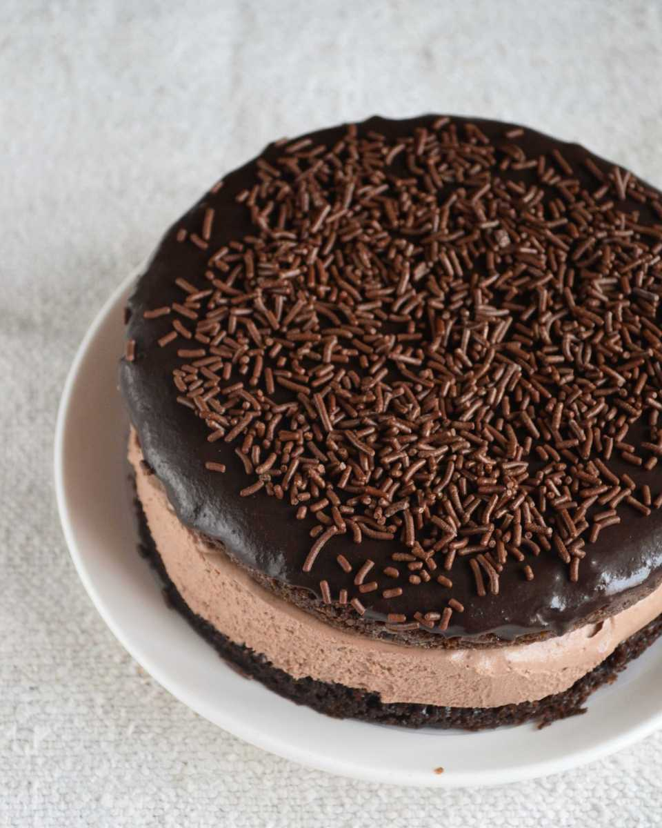 Eggless Chocolate Mousse Sandwich Cake – Video Recipe