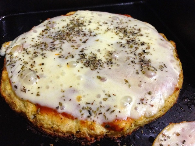 PIZZA COM MASSA DE COUVE FLOR - LOW CARB GLUTEN FREE