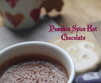 Pumpkin Spice hot chocolate (Chocolat chaud végétal au potimarron épicé)