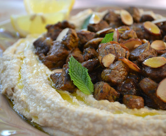 Hummus with Spiced Lamb (Hummus bil Lahme)