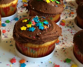 Moist Vanilla Cupcakes with Rich Chocolate Frosting