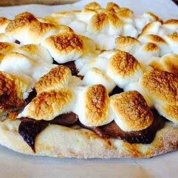 Pizza de nutella e marshmellows