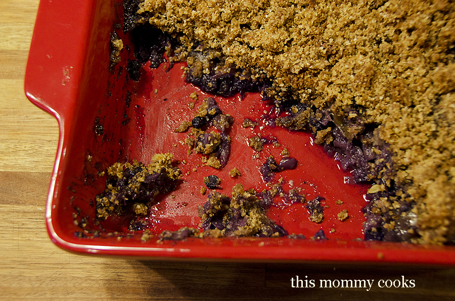 Peach and Blueberry Crumble with Quinoa Oat Topping-gluten free! {Sweet Treat Tuesday}