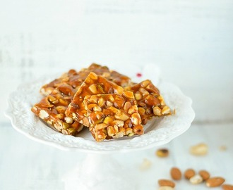 Mixed Nuts Brittle/Mixed Nuts Chikki