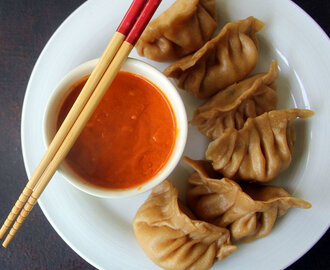Paneer Momos with Momos chutney recipe - How to Make Paneer Momos - Kids friendly recipe - Snacks Recipe