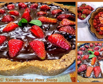TART SA COKOLADOM I JAGODAMA & TART WITH CHOCOLATE AND STRAWBERRIES