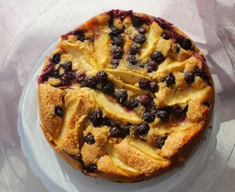 Bolo de Maçã e Mirtilos | Apple and Blueberries Cake