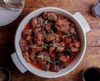 RED WINE AND GARLIC BRAISED OXTAIL