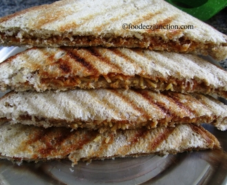 Make Aloo Bhujia Sandwich in Three Minutes!