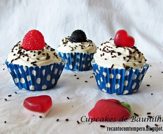 Cupcakes de Baunilha {com cream cheese de chocolate branco}