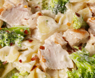 Creamy Chicken & Broccoli Bowties