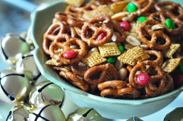 Christmas Snack Mix Recipe – Homemade BEST Snack Mix Recipes Gift