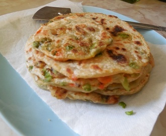 Urulaikizhangu Masala Poli/Masala Palyada Holige - Flat Bread Stuffed With Potato Masala