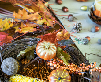 How to Throw a DIY Fall Wreath Party