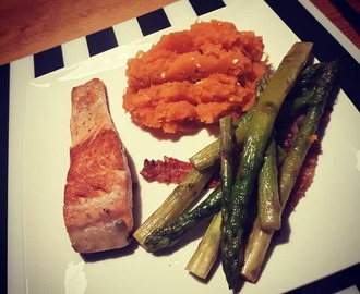 "Pioppioneers on Instagram: ""Dinner! Mashed sweet potatos, salmon and asparagus with bacon (not wrapped around because i like it crispy)  #hungry #pioppidiet…"""