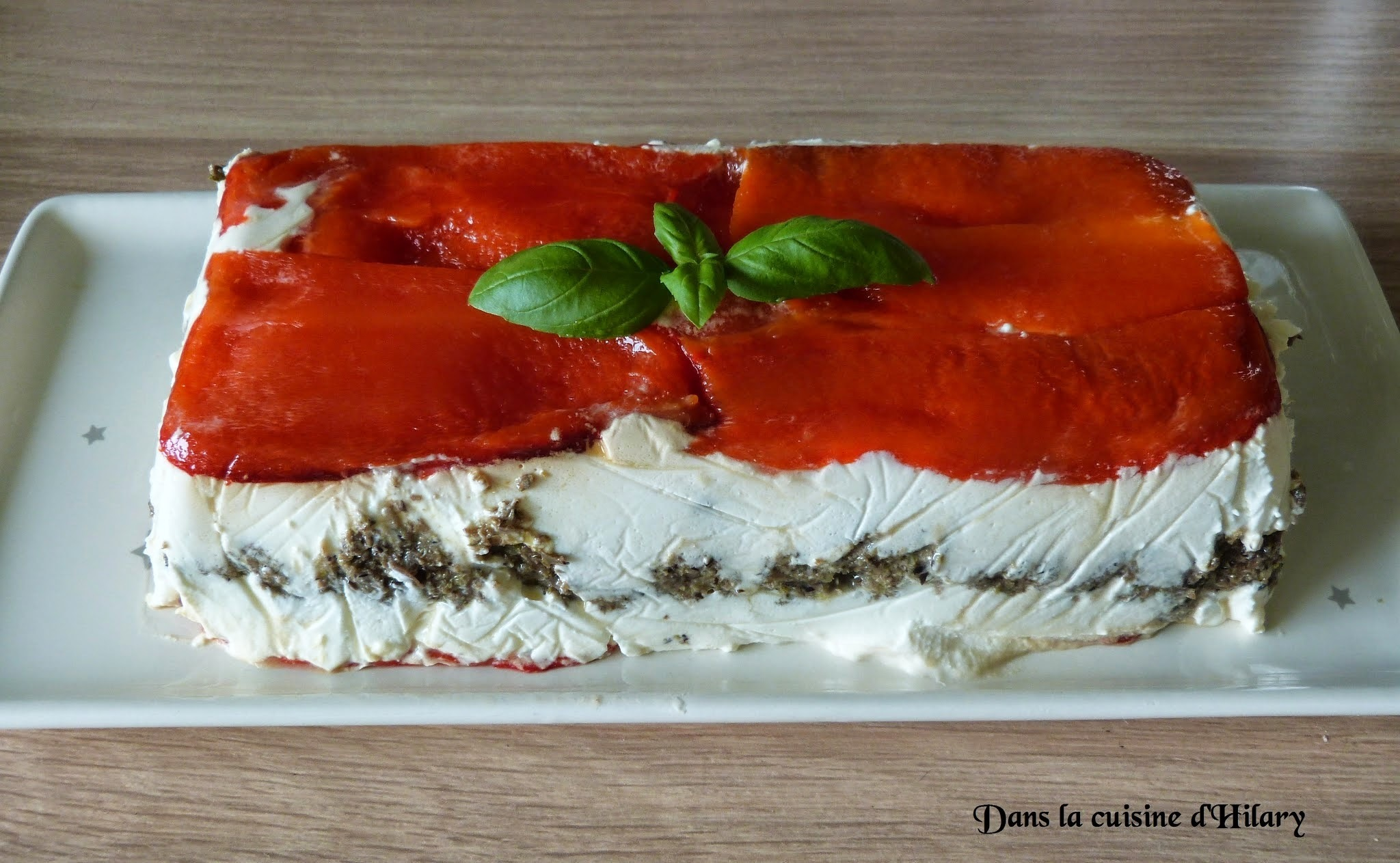 Terrine de fromage de chèvre, tapenade et poivrons / Goat cheese, tapenade and red pepper terrine