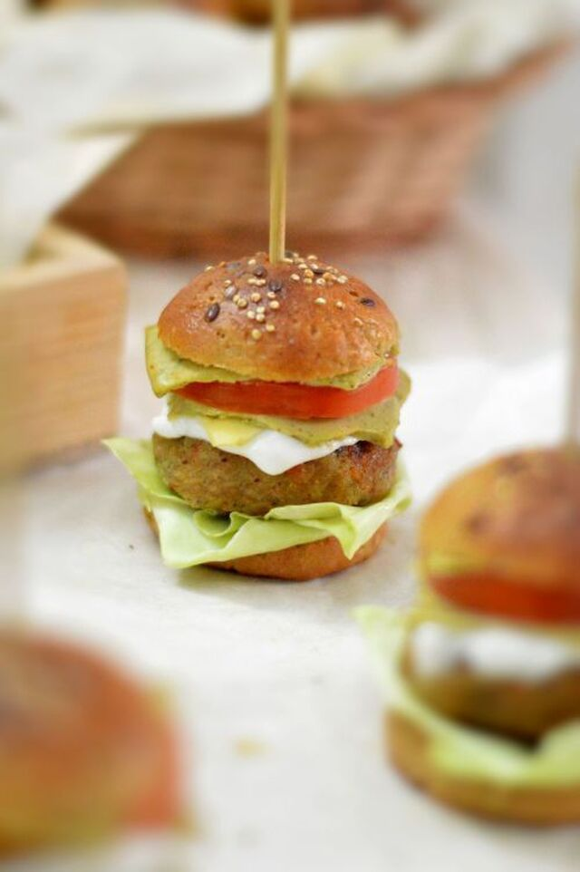 Multigrain mini burger buns
