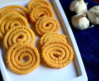 Garlic Murukku/Poondu Murukku Recipe - Easy Murukku Varieties