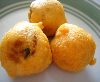 Aloo Bonda ( Potato Stuffed Dumplings)