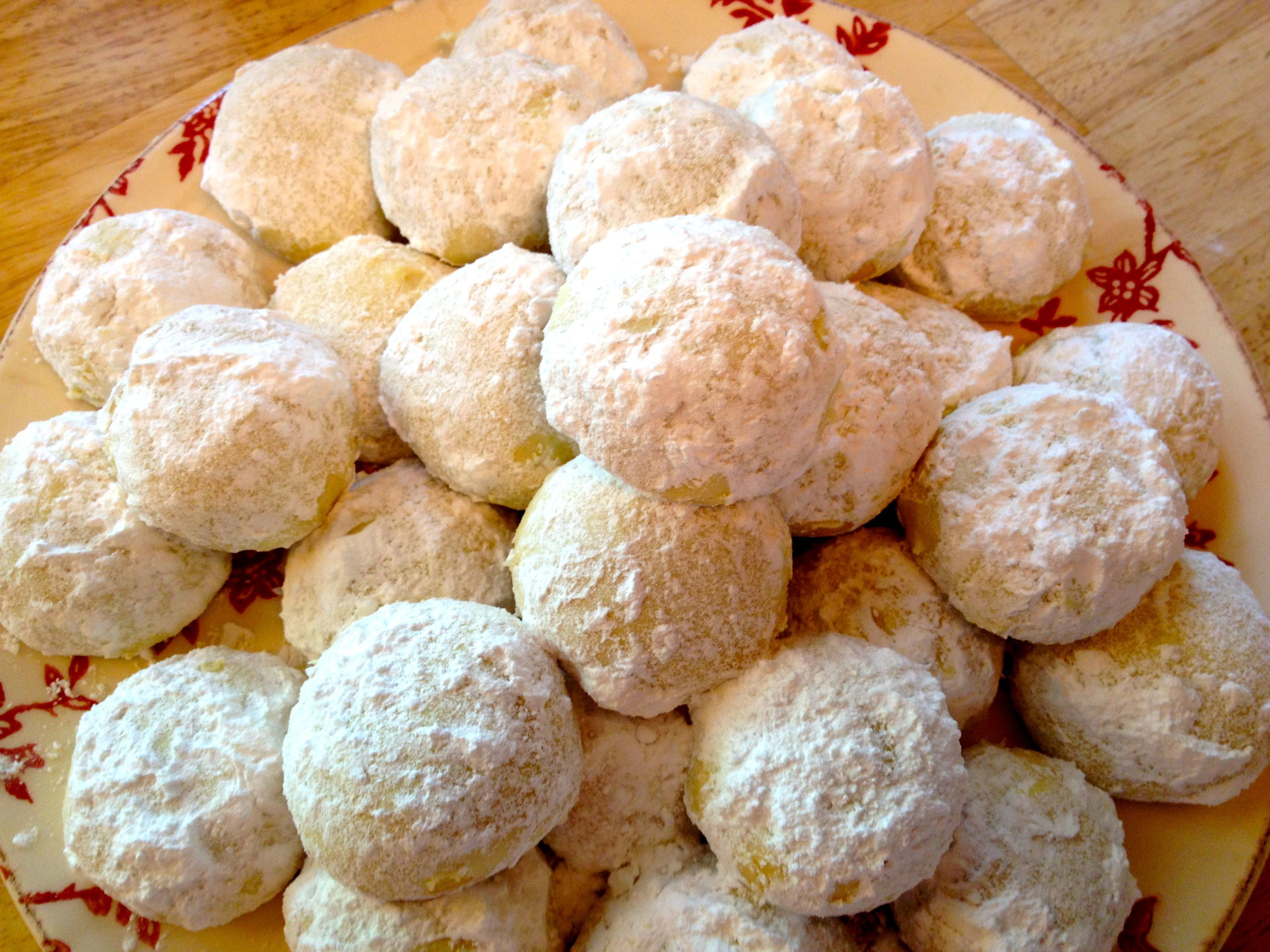 The Holiday Collection ~ Kourambiedes….Greek Butter Cookies
