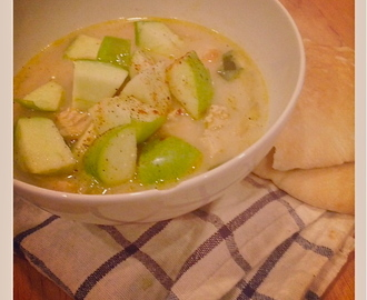 Chicken Mulligatawny Soup with Green Apples