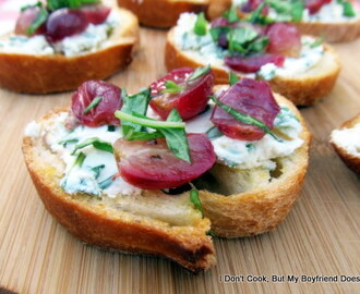 Roasted Grape Crostini with Goat Cheese