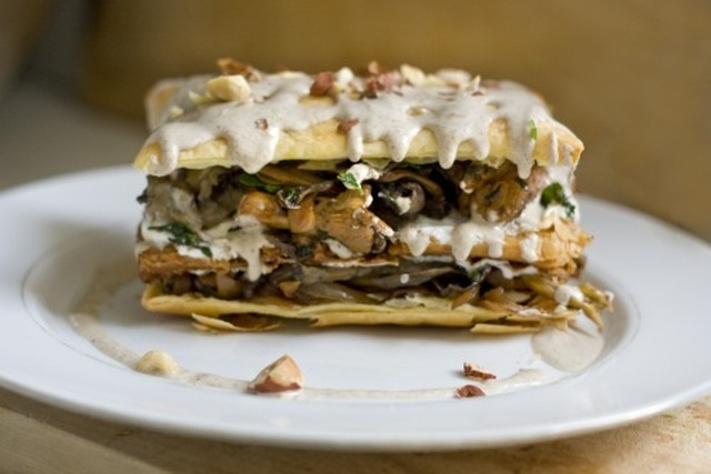 Wild mushroom / puff pastry / smoked cheese gateaux