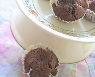 Soft and fluffy chocolatey cupcakes