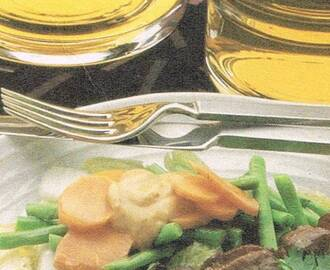 Vegetables with Peanut Sauce