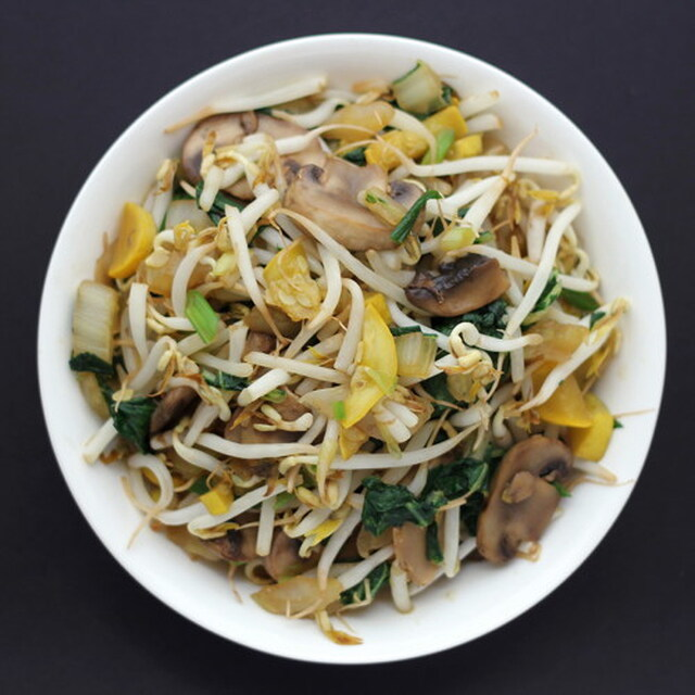 Whole Foods Friday: Cooking with Bean Sprouts