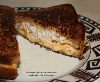 Tuna Sandwich that aims to Cheese.