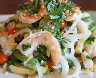 Thai seafood salad (Goi Thai tom muc)