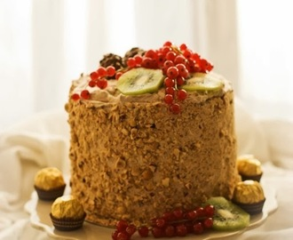 LAYER CAKE DE CHOCOLATE NUTELLA Y FERRERO ROCHER