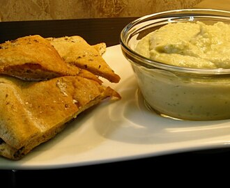 Artichoke-Tuscan Bean Dip & Seasoned Pita Chips