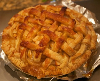 The Best Caramel Apple Pie