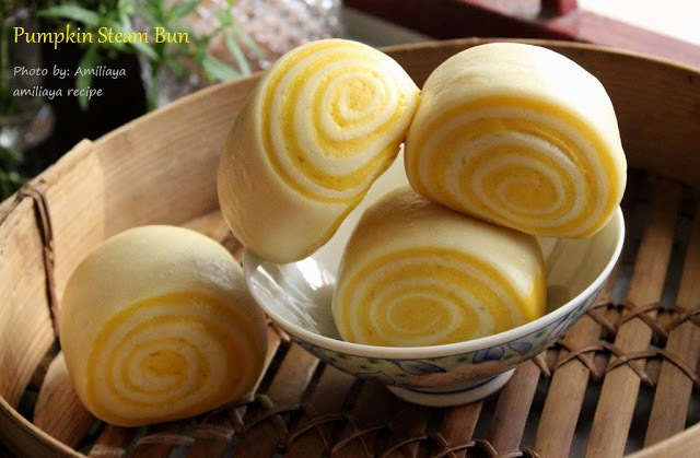 Old dough - pumpkin steam bun 老面- 南瓜馒头